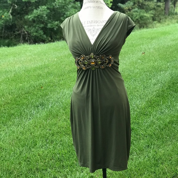 6f9730fabe34a Beautiful green Cache dress with bejeweled waist